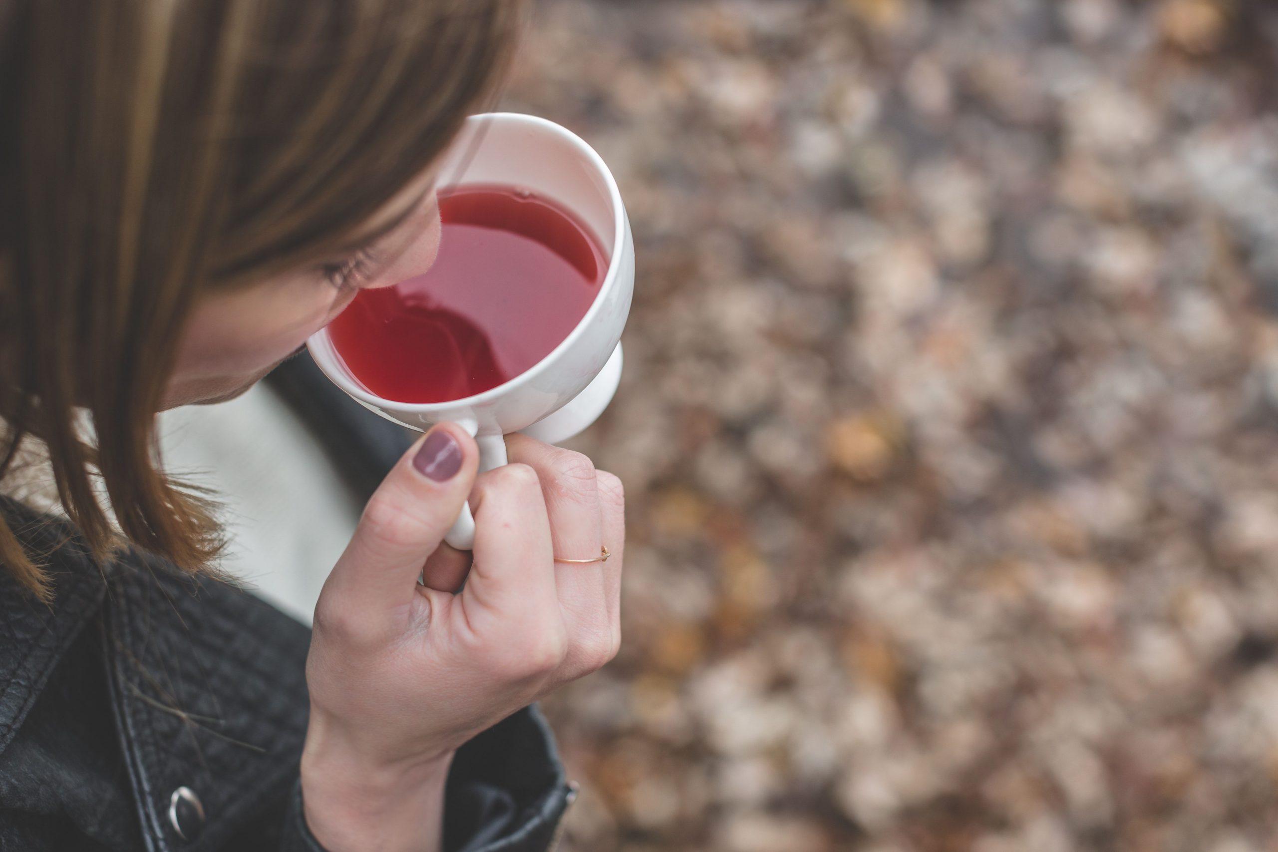 caffeine cup drink hot 374605 scaled 熱門母親節必送, 養顏美容茶, 必喝茶款, 檸檬茶, 檸檬茶養顏美容, 母親節送茶, 母親節推薦